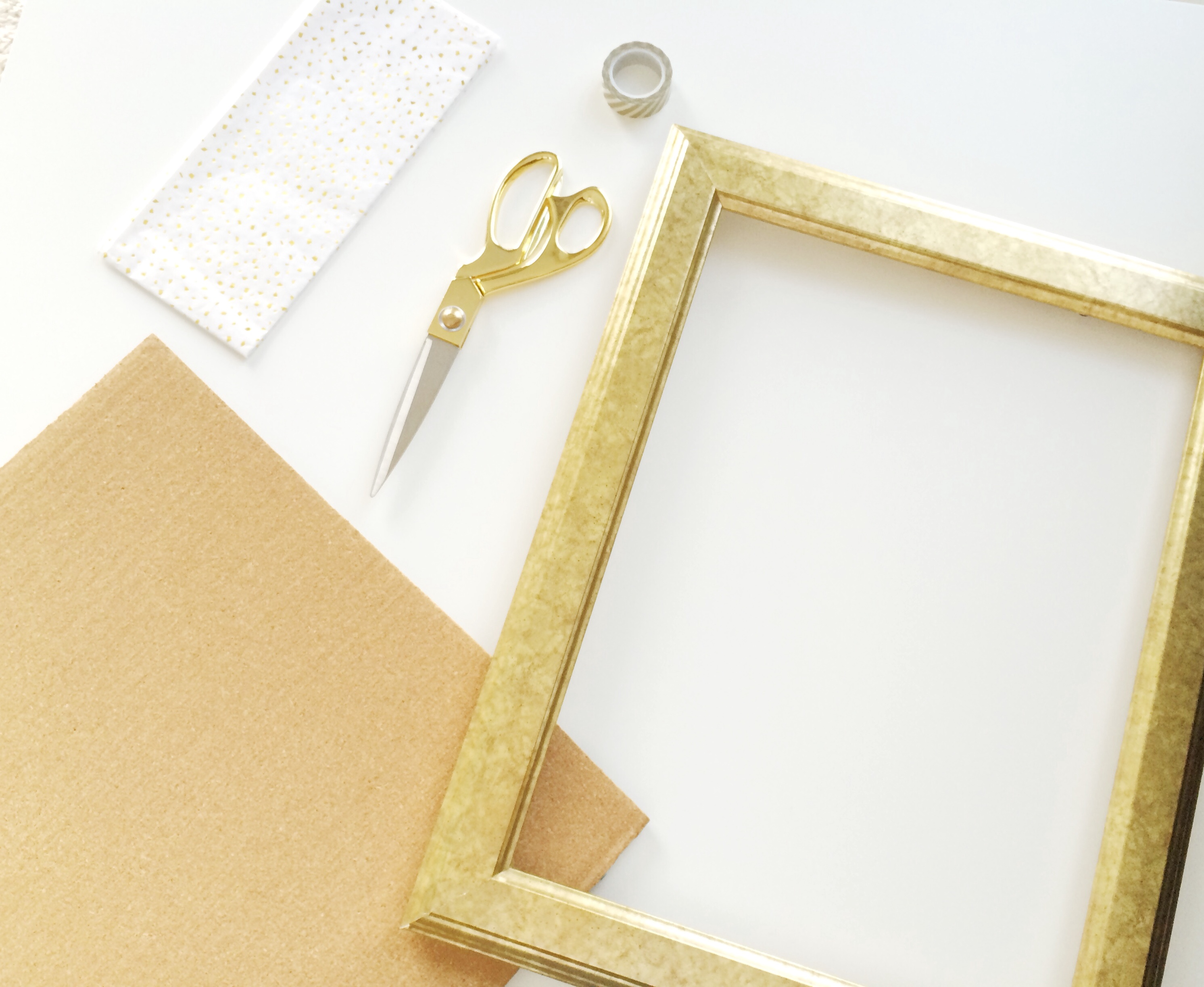 DIY: Confetti Pinboard